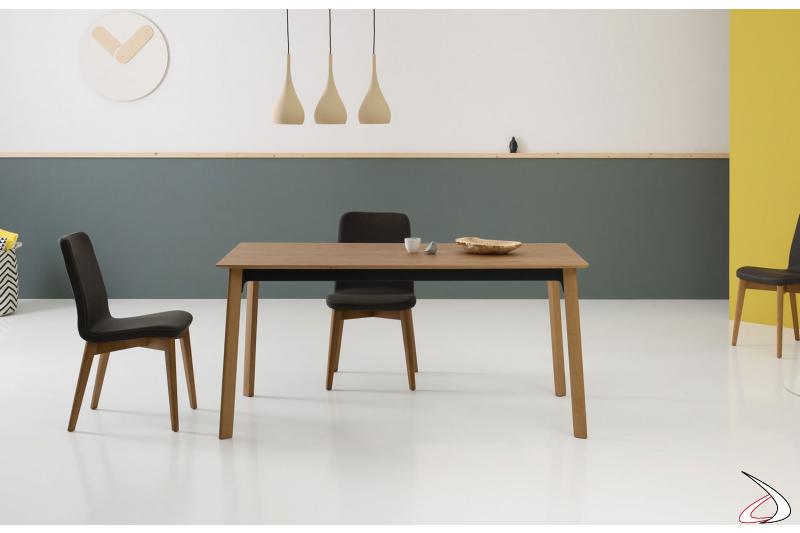 Tavolo di design in impiallacciato rovere cotto allungabile con gambe in legno