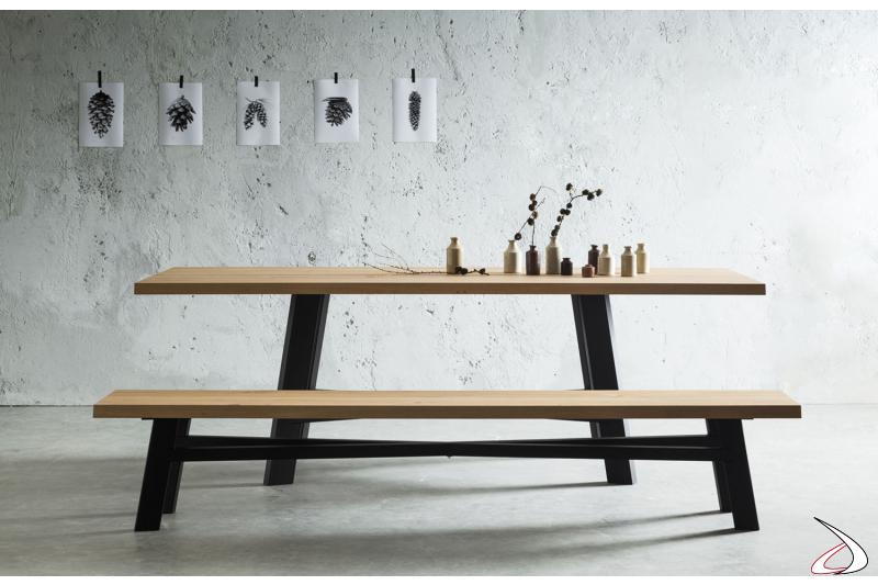 Tavolo fisso da soggiorno di design con piano in legno scortecciato con panca