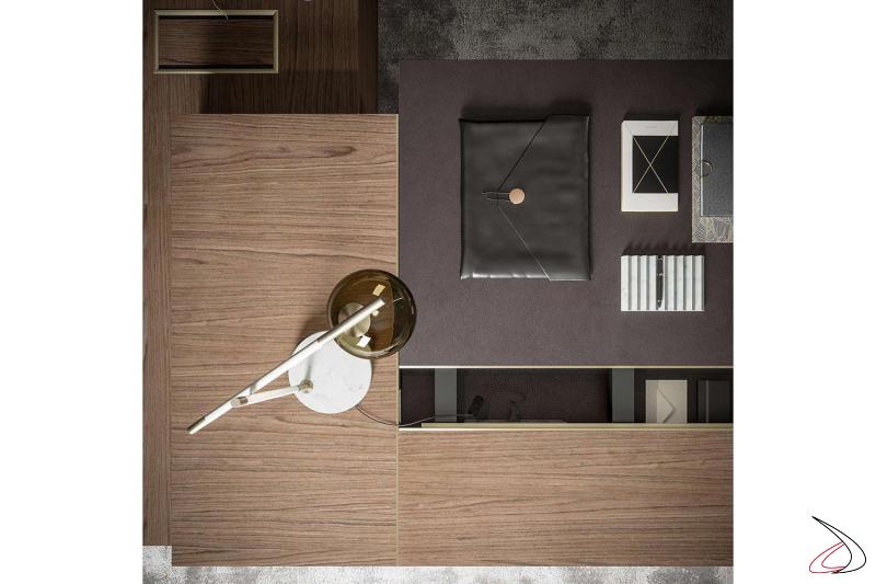 Scrivania presidenziale di design in legno noce canaletto con piano scorrevole in pelle fiore