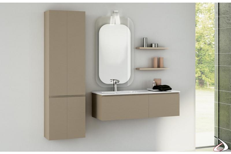 Arredo bagno moderno con colonna e mensole