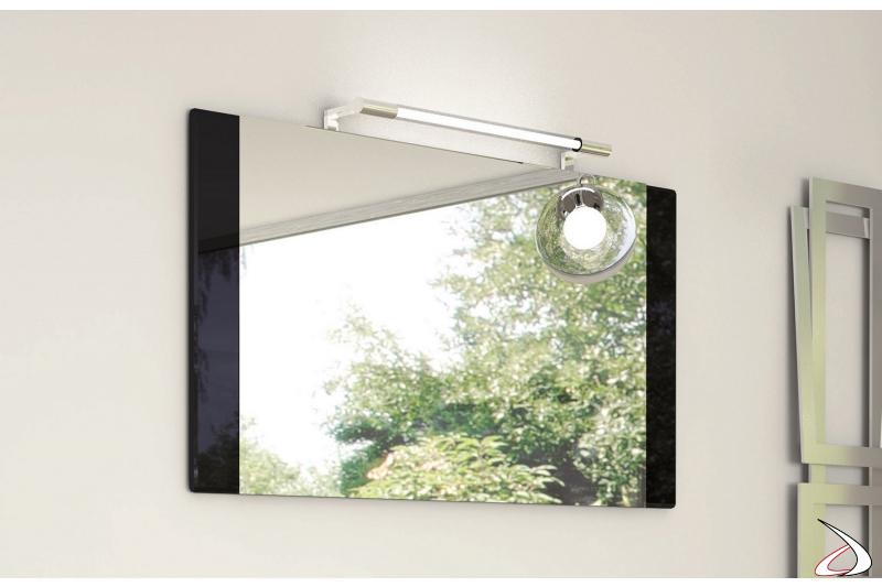 Specchio bagno con cornice in legno laccato lucido nero