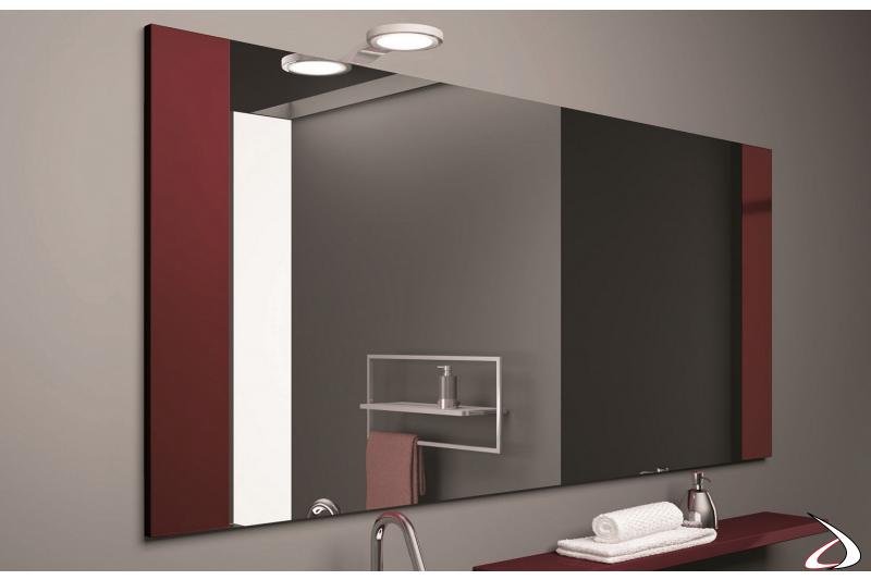 Specchiera da bagno grande moderna con cornice laterale in legno laccato rosso