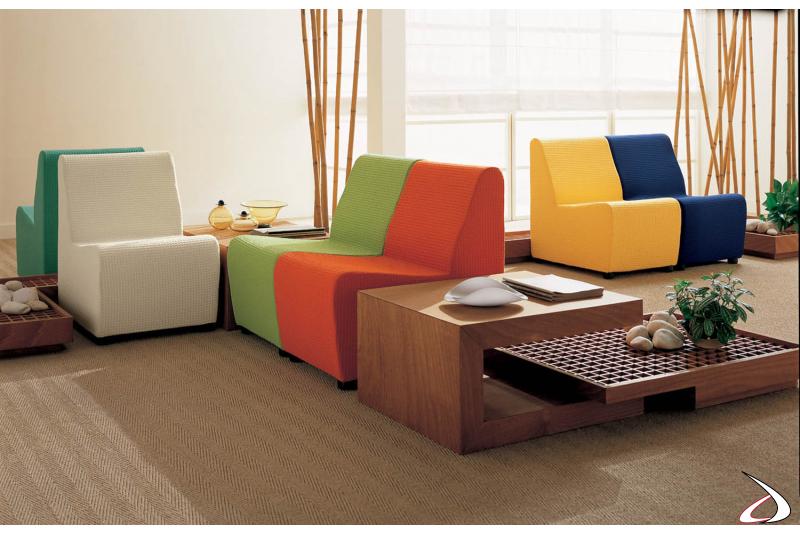 Soggiorno colorato e fresco adatto ad un ambiente giovane e moderno