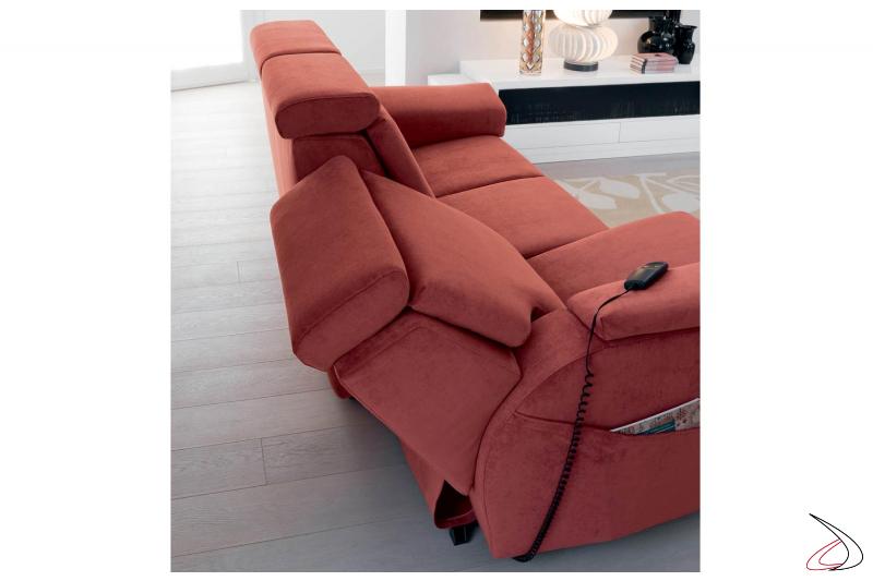 Divano recliner con seduta reclinabile elettrica