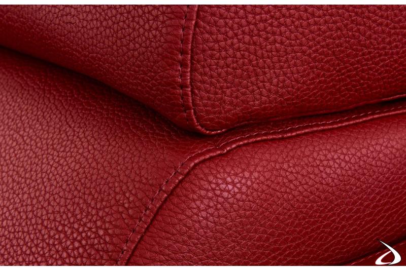 Divano design in pelle rossa con poggiatesta reclinabile