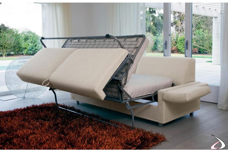 Divano letto moderno con rete elettrosaldata