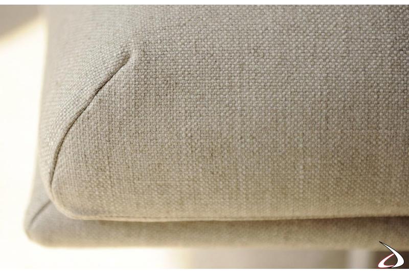 Divano made in italy di design in tessuto con chaise longue