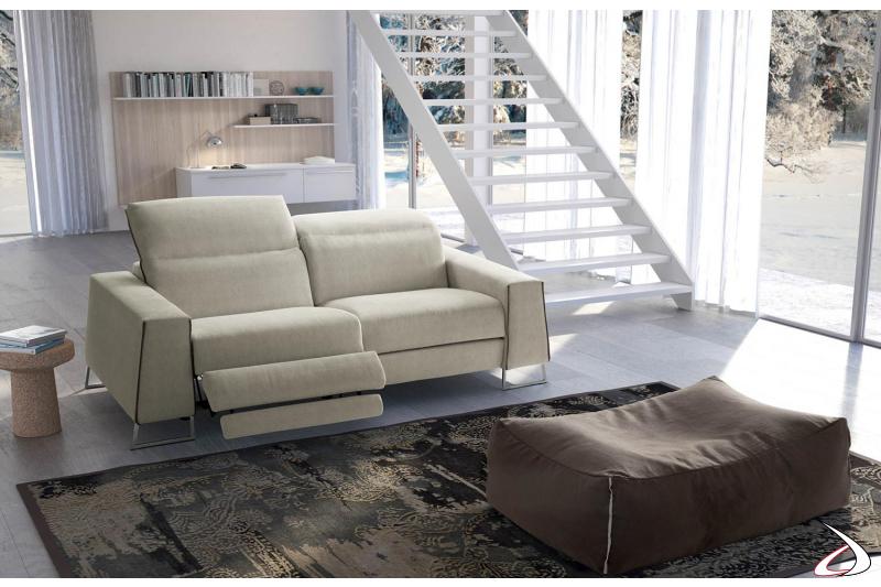 Divano moderno 2 posti con recliner