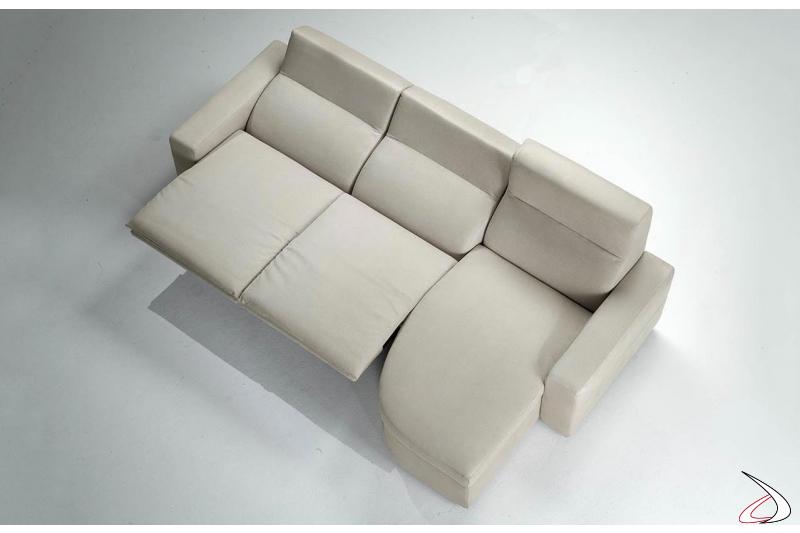 Divano con recliner elettrico e chaise lounge