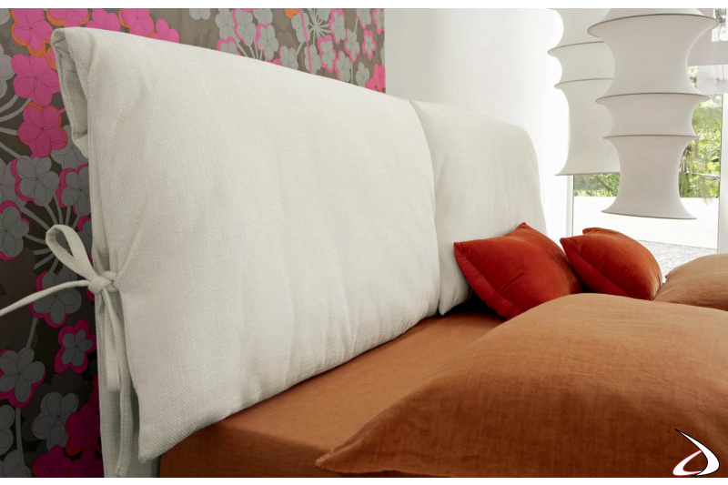 Testata Letto Con Cuscini.Padded Bed With Maise Headboard Cushions Toparredi