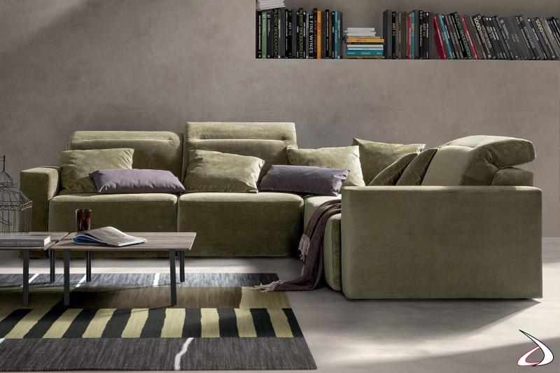 Divano ad angolo di design componibile con poggiatesta reclinabili e sedute scorrevoli