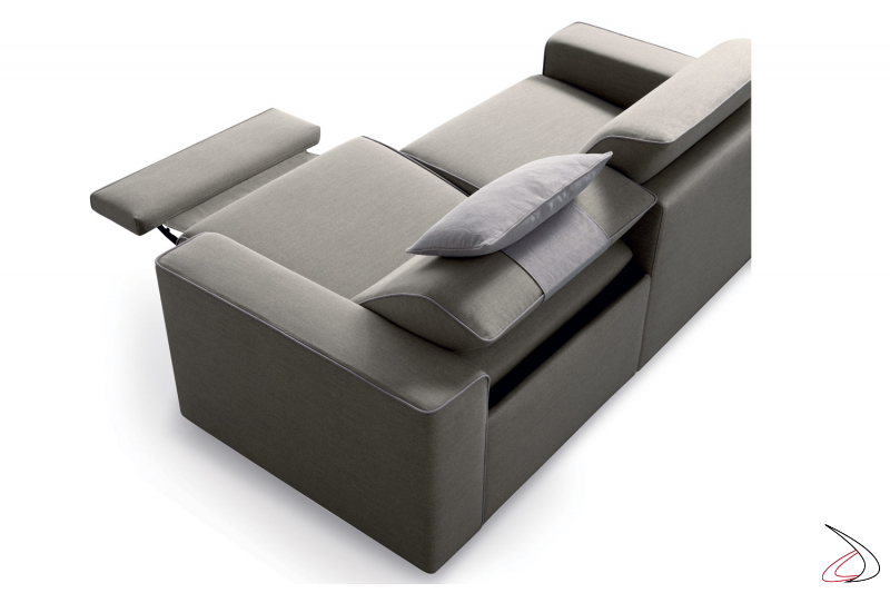 Divano due posti con seduta reclinabile e sistema realx
