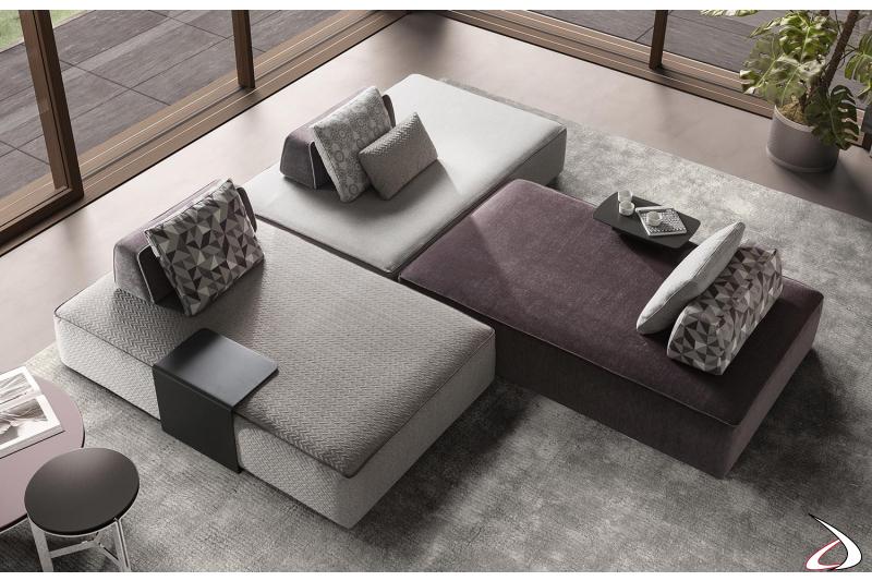 Divano moderno componibile in tessuto da centro stanza con schienali spostabili