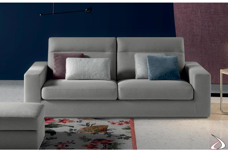 Divano moderno in tessuto con schienali reclinabili