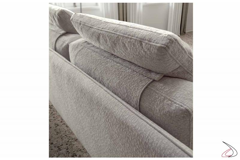 Divano moderno retrofinito da centro stanza con cuscino poggiatesta