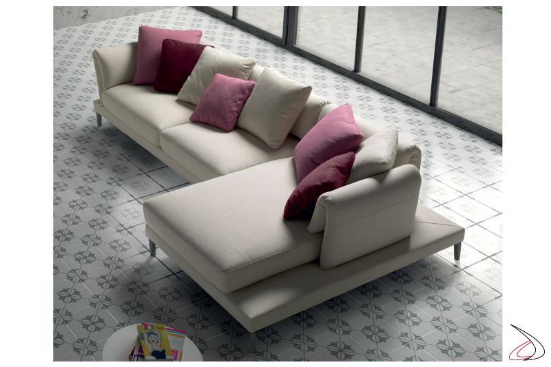 Divano di design da salotto con schienali pieghevoli