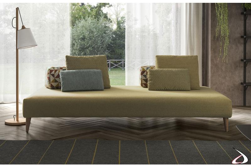 Divano moderno in tessuto da centro stanza con schienali movibili