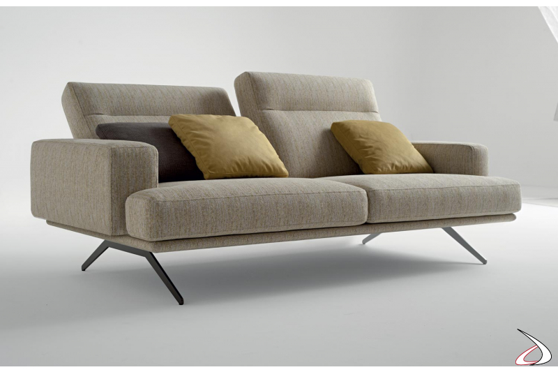Divano 2 posti di design con schienali reclinabili