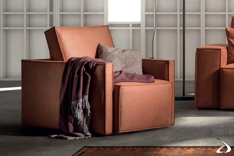 Poltrona moderna imbottita da salotto con seduta scorrevole