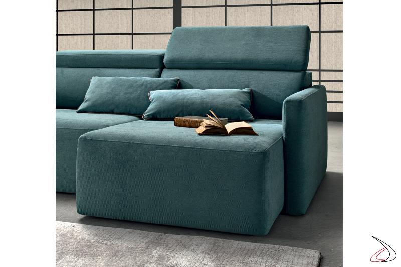 Poltrona di design imbottita con poggiatesta reclinabile e seduta allungabile
