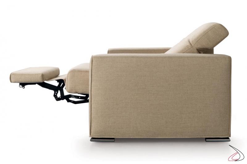 Poltrona moderna da salotto con meccanismo relax