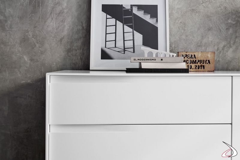 Credenza di design di alta qualità italiana con maniglie incassate
