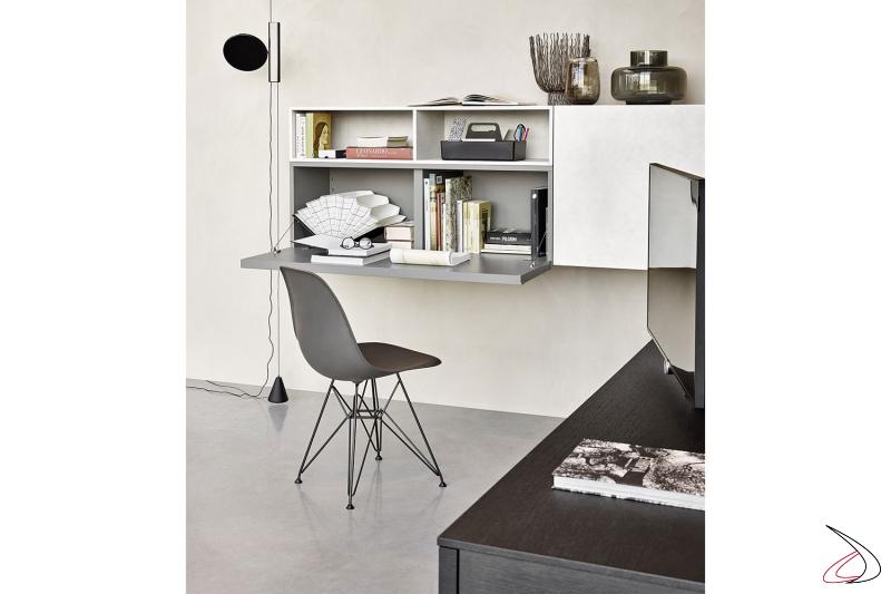 Mobile soggiorno sospeso ad angolo con pensile con anta ribalta uso scrivania