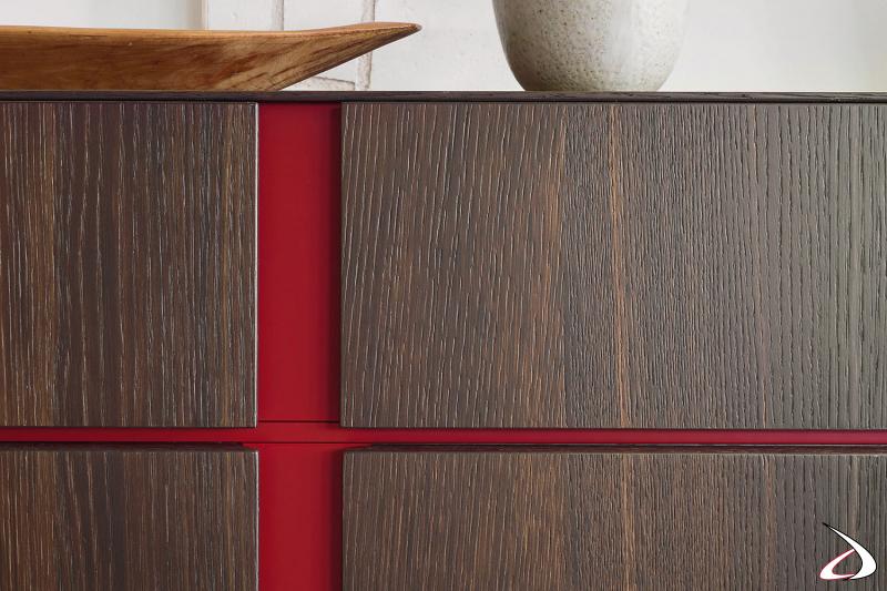 Madia in legno moderna con profilo a gola colorato