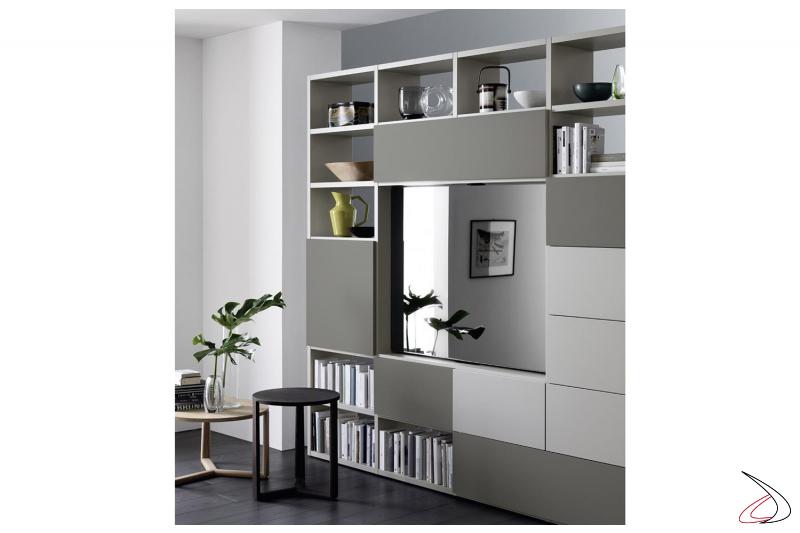 Libreria soggiorno con porta tv girevole