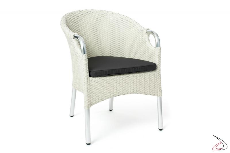 Sedia con cuscino da terrazzo esterno colore bianco