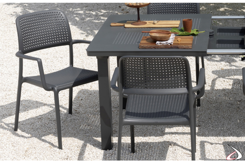Sedia moderna in resina color antracite da esterno