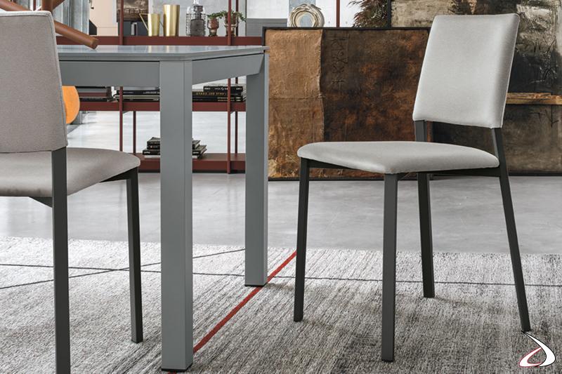 Sedie moderne da cucina con schienale e seduta imbottiti