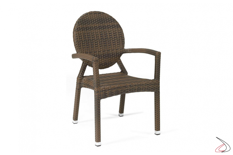 Sedia per arredo giardino con schienale rotondo colore caffé