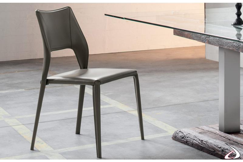 Sedia design in cuoio da soggiorno