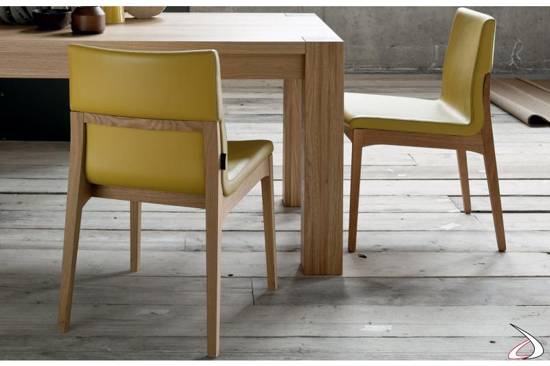 Sedia da soggirono con struttura in legno