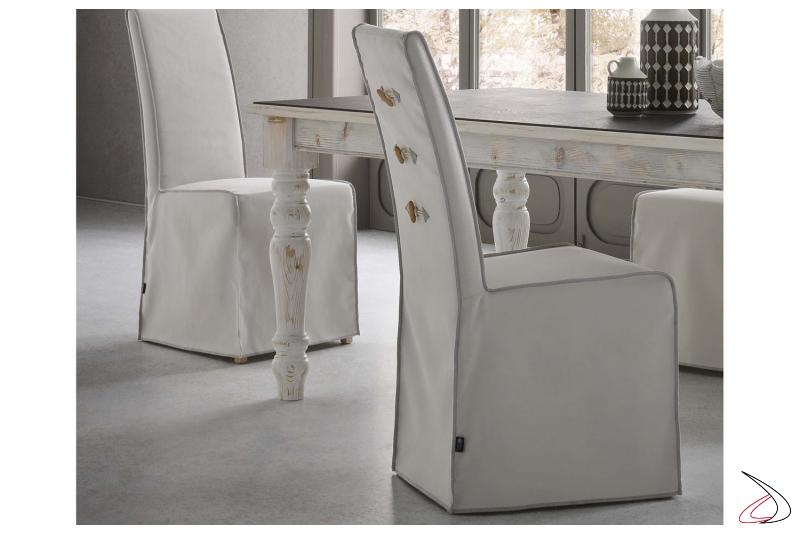 Sedia classica da soggiorno rivestita