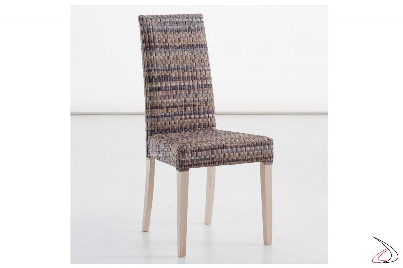 Sedia da soggiorno moderna imbottita con gambe in legno