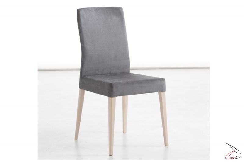 Sedia da pranzo moderna con schienale alto imbottito