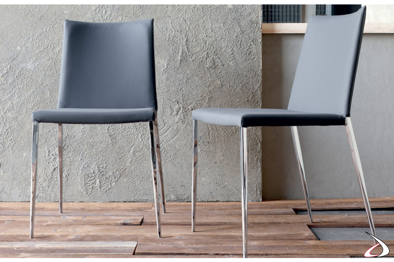 Sedie moderne da cucina con gambe in metallo
