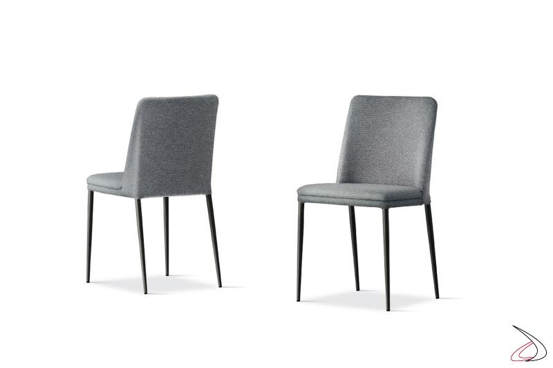 Sedia moderna imbottita comoda rivestita in tessuto con gambe in metallo antracite