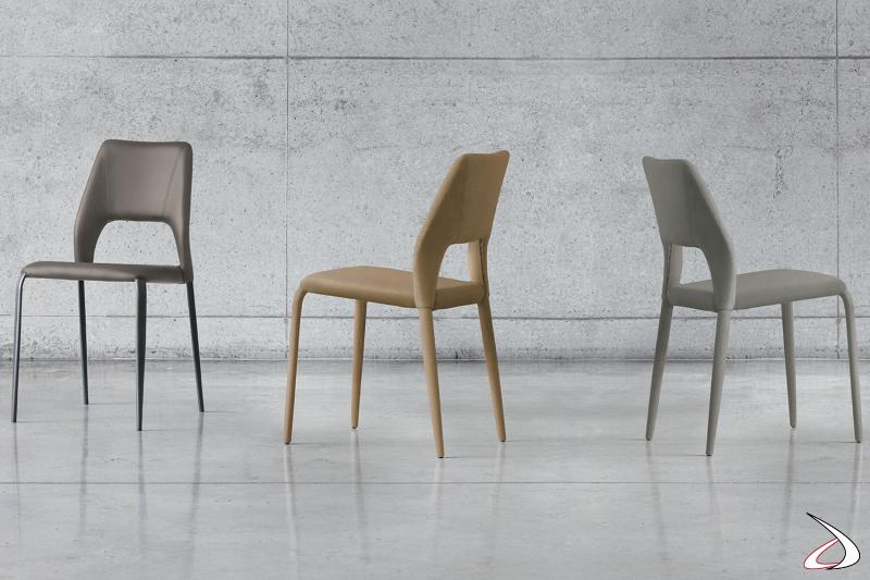Sedia di design imbottita con gambe in metallo o gambe rivestite
