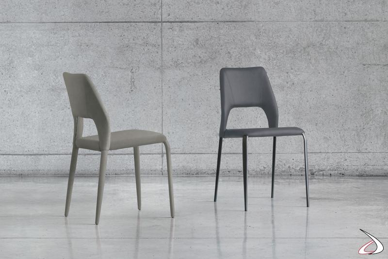 Sedie da soggiorno moderne in tessuto o in pelle con gambe in metallo o completamente rivestite