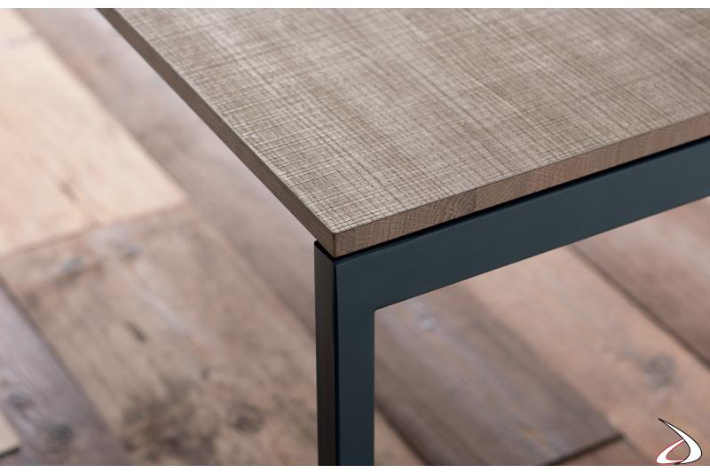 Tavolo moderno da soggiorno con piano in laminato