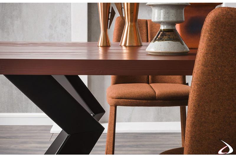 Tavolo moderno allungabile con gambe ad angolo