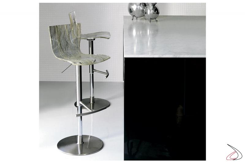 Sgabello regolabile in altezza per bancone cucina con sedile in metacrilato