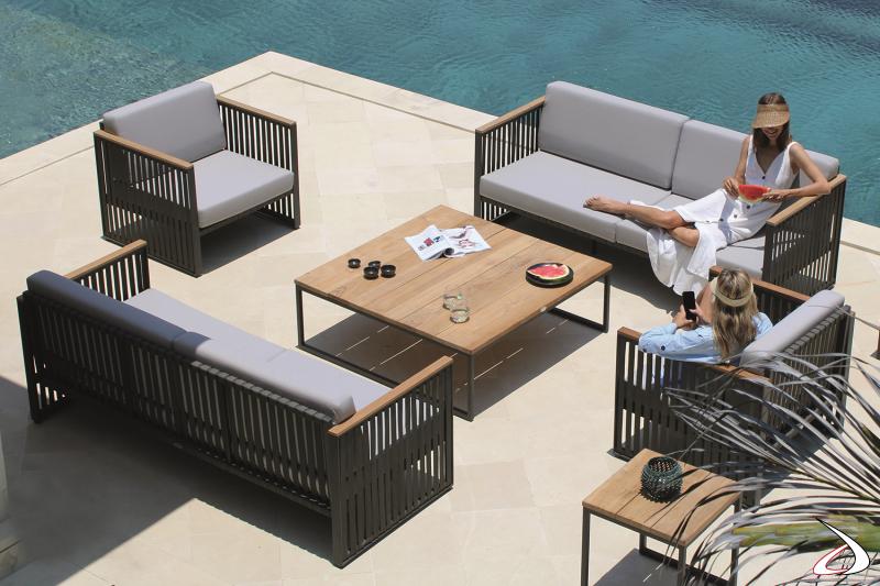 Arredo da bordo piscina con poltrone e divani di design con struttura in alluminio rivestita con cinghie