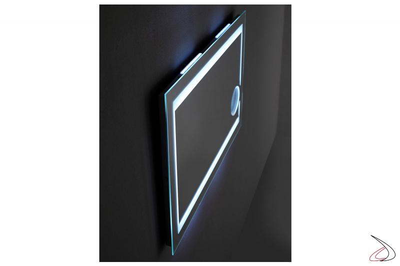 Specchio retroilluminato di design con ingranditore 3X da bagno