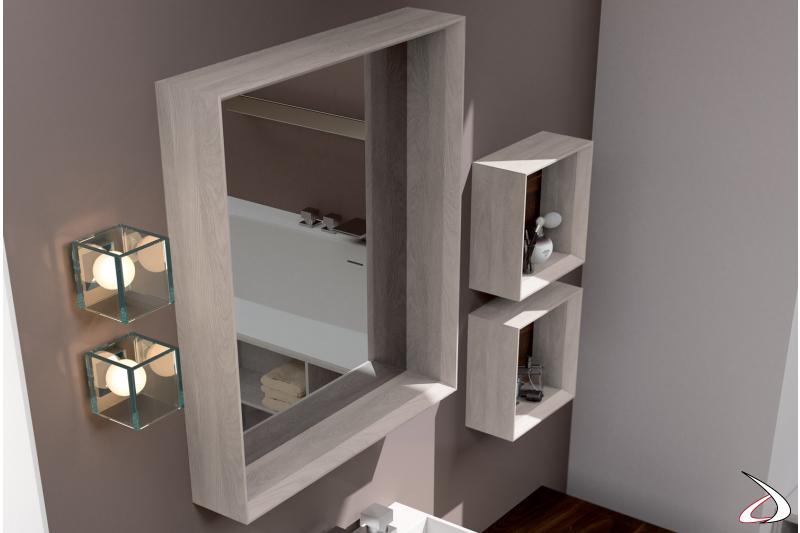 Specchio, pensili a giorno e lampade a muro per bagno moderno