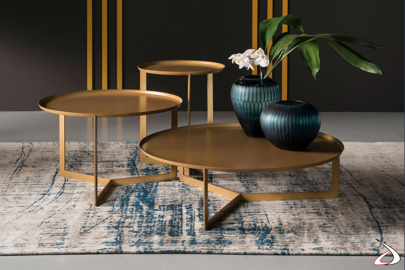 Tavolini rotondi moderni in metallo