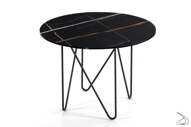 Tavolino piccolo rotondo con piano in vetro finitura marmo nero del Sahara.